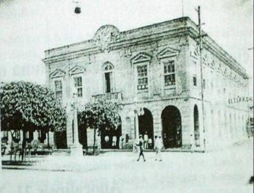 Obispado Católico de Cienfuegos en el prado de Cienfuegos